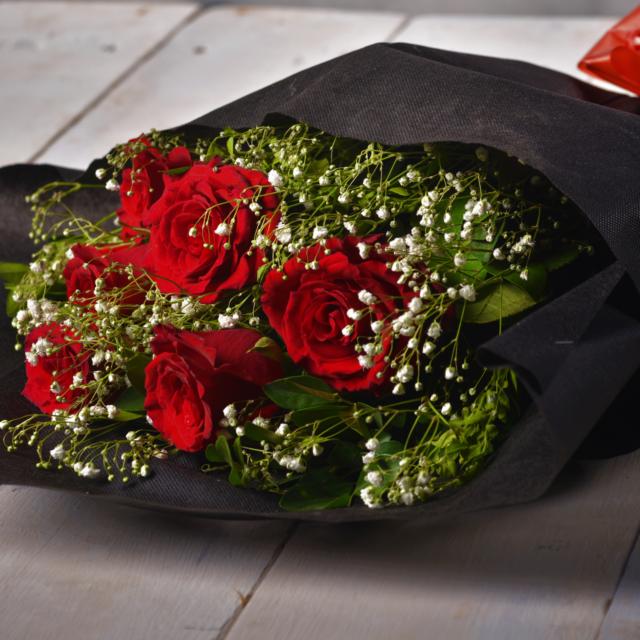 send flowers to Karachi Pakistan