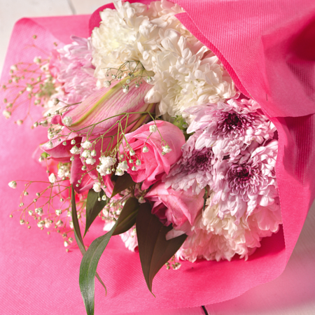 send flowers to Pakistan to your family and friends