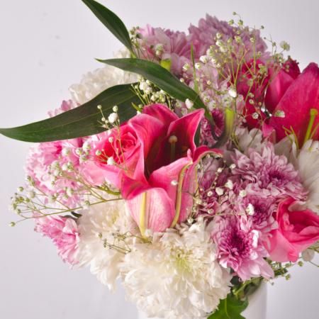 delivering premium flowers to Karachi, Islamabad and Rawalpindi