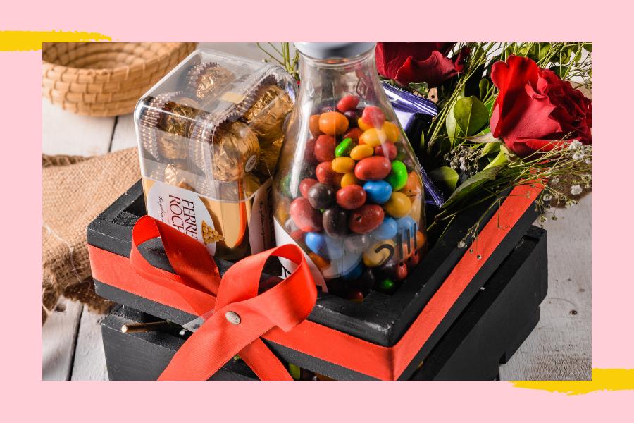 Valentines gift basket online Pakistan