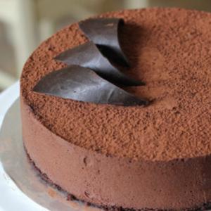 send cakes to Pakistan with Revaayat