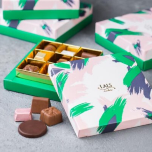 send chocolate box with premium quality for her birthday