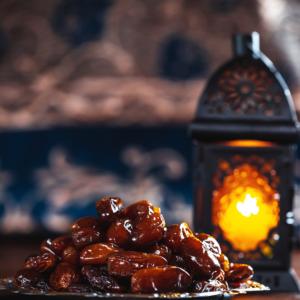 send dates for Ramadan to Pakistan