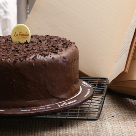online chocolate cake delivery in Pakistan
