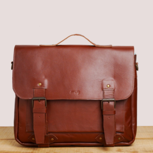 Pakistani leather goods and bags for gifts for him